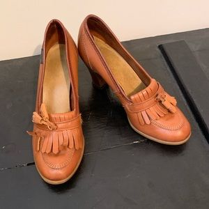 Vintage Leather GH Bass & Co Heeled Loafers